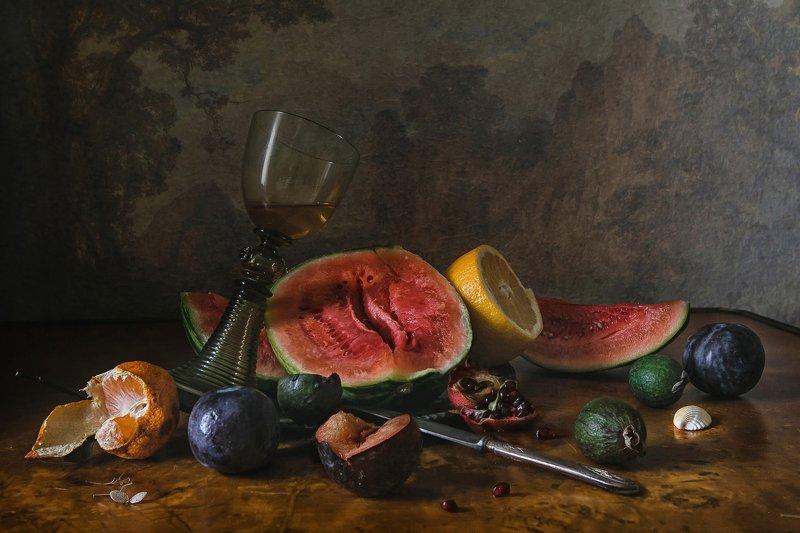 натюрморт, стекло, хрусталь, бокал, рёмер, арбуз, фрукты Про маленький арбузphoto preview