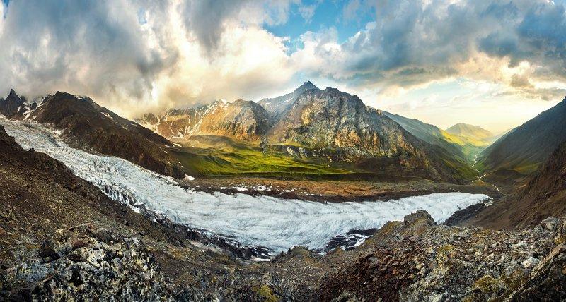 кавказ, ледник, казбек, кармадон, осетия, горы, панорама, облака, ущелье, утро в горах Ледник Майлиphoto preview