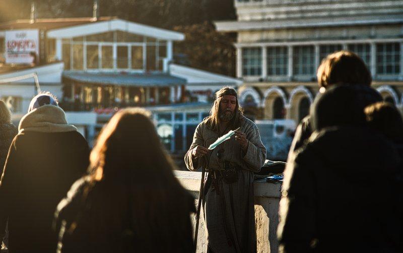 портрет, стрит фото, улица, странник Чужой среди своихphoto preview