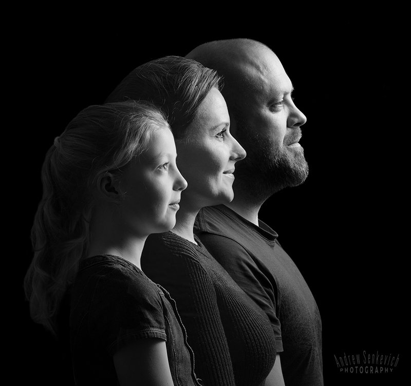 семейное, профиль, студийное Саша, Женя и Аринаphoto preview