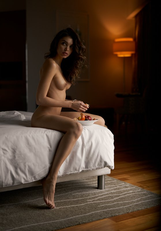 nude, naked, hotel, fruits, natural light, beautiful, nice, sexy, beauty, Piratphoto preview