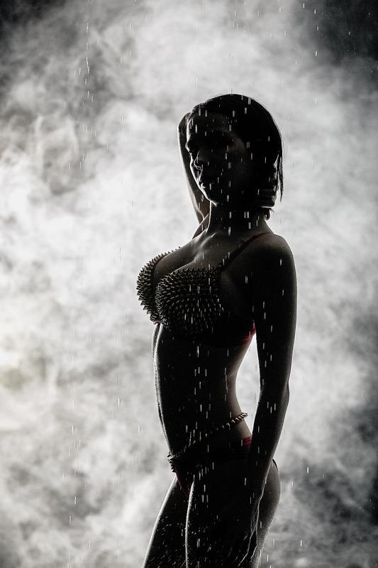аквастудия, дым, фотостудия, девушка в дымуphoto preview