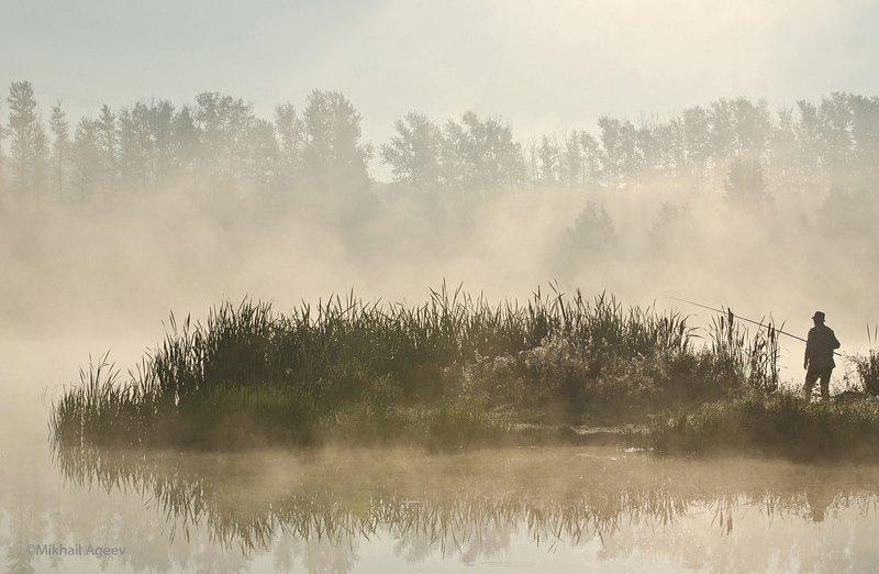 утро, туман, рыбак, архангельское Ловец тумановphoto preview