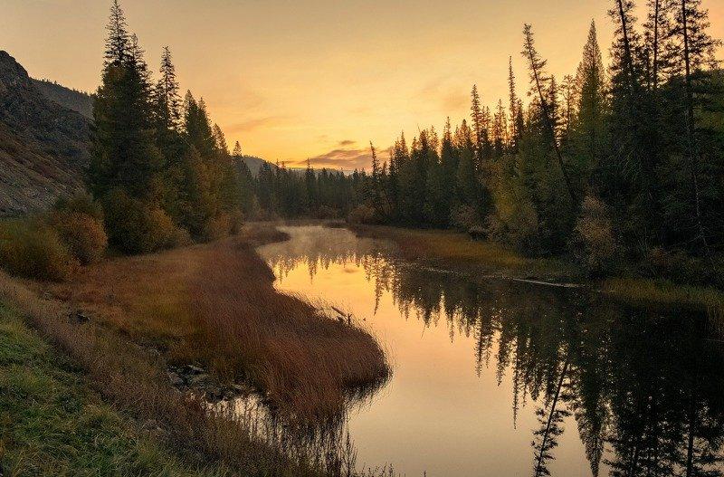алтай.река.. утро. рассвет. Яркий рассвет.photo preview