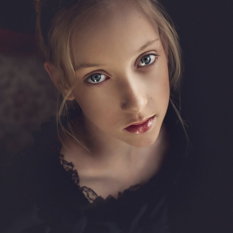 girl, portrait, child, natural light photo preview