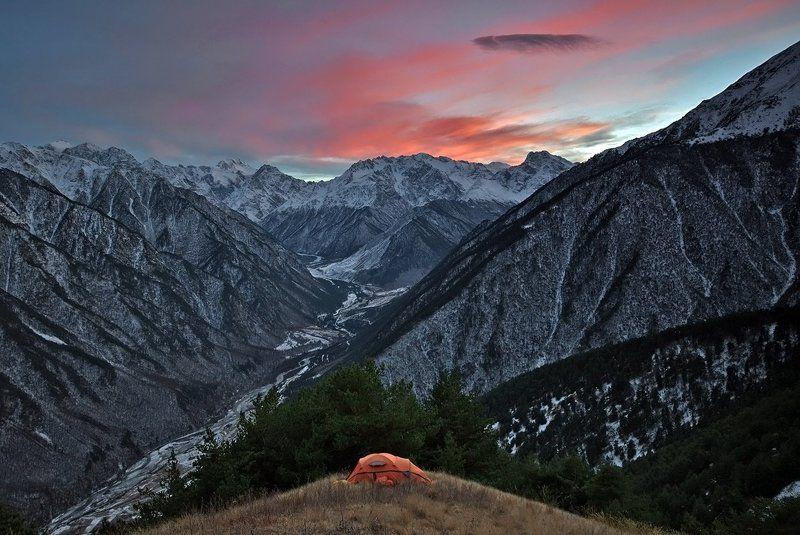 горы, кавказ, осетия, закат, пейзаж, туризм Ночевка над долиной Урухаphoto preview
