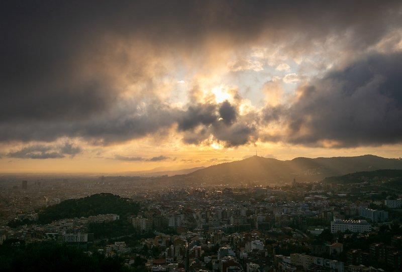 Закат над Барселонойphoto preview