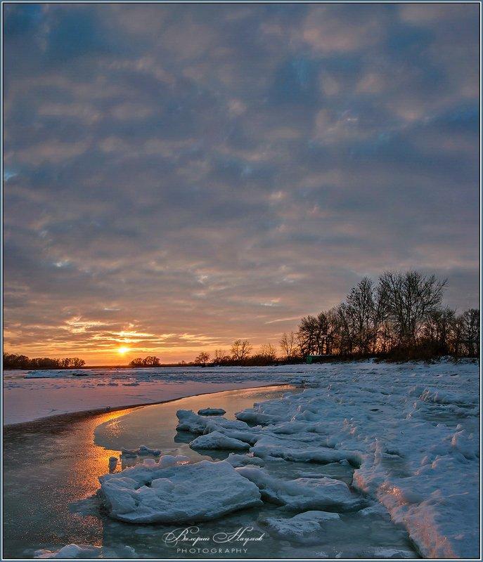 зима, утро, снег, лёд, река Зимнее утроphoto preview