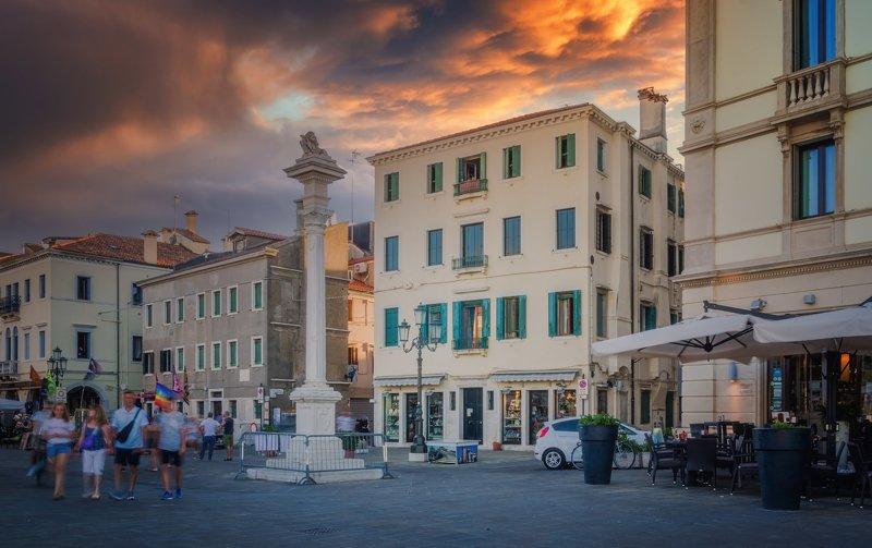 Городской пейзаж путешествия город солнце закат Италия Кьоджа Один вечер в Кьодже....photo preview