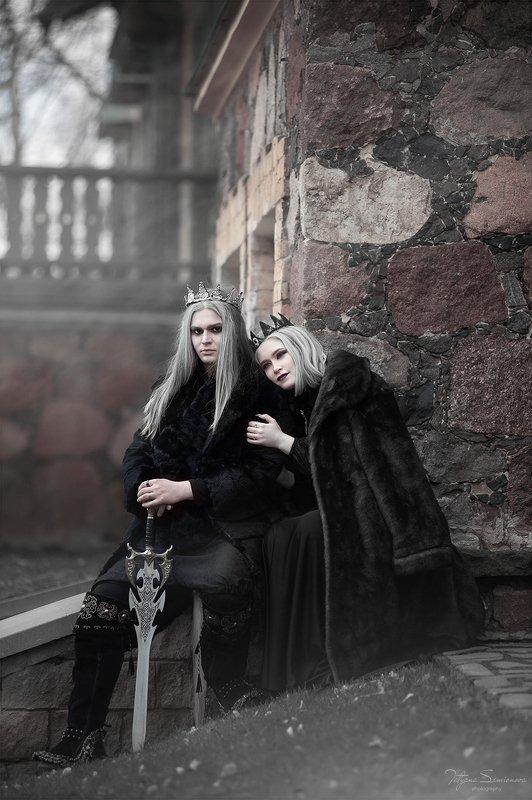 рное королевство, короли, блонины, красивые модели, черное, белое, сказочная фотосессия, волшебство  Темное королевствоphoto preview