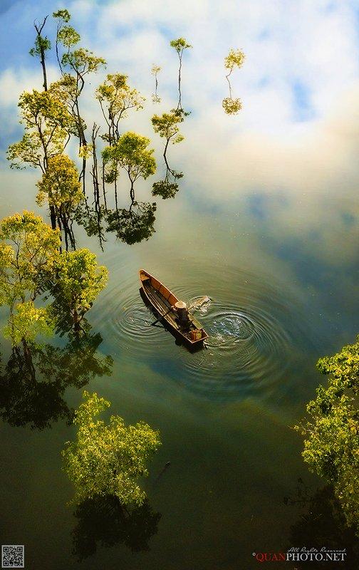 quanphoto, landscape, nature, morning, lake, fishing, boat, fisherman, trees, reflections, plateau, highland, vietnam Morning Lakephoto preview