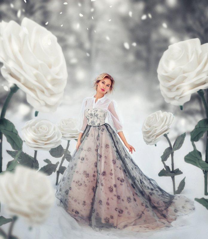 большие цветы, зимний сад, сказочное фото,  большие розы, пышное платье, розы, лепестки роз, зима, снег снежный лес, сказочны лес, волшебный лес Зимний садphoto preview