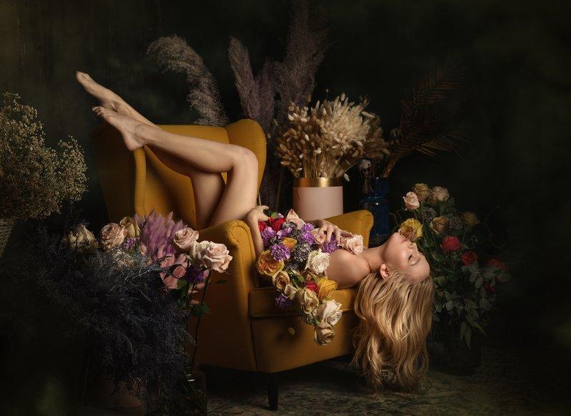 #flora #flowers #beauty #love #light #nude #portrai t#body #флора #портрет #цветы Флораphoto preview