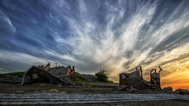саур-могила, памятник, пейзаж, исторические места, места сражений, донбасс Саур-Могилаphoto preview