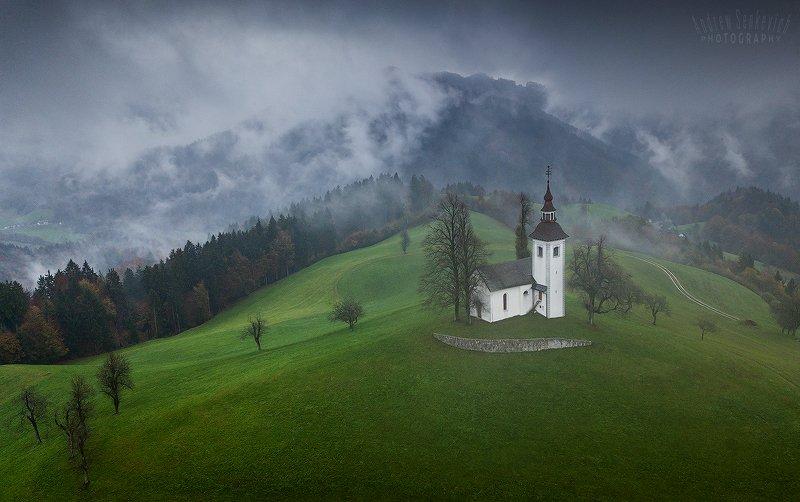 словения, slovenia Словенские церквушки в хмурую погодуphoto preview