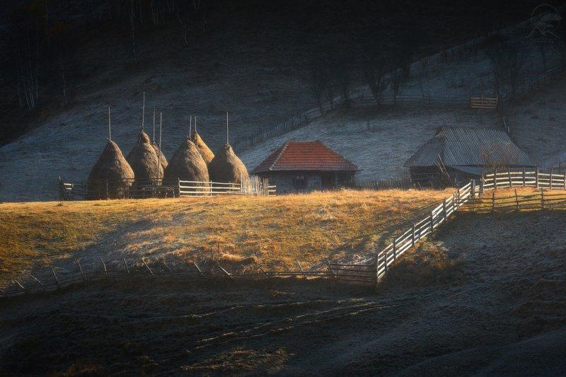 румыния, дом, стожки Румынские домикиphoto preview