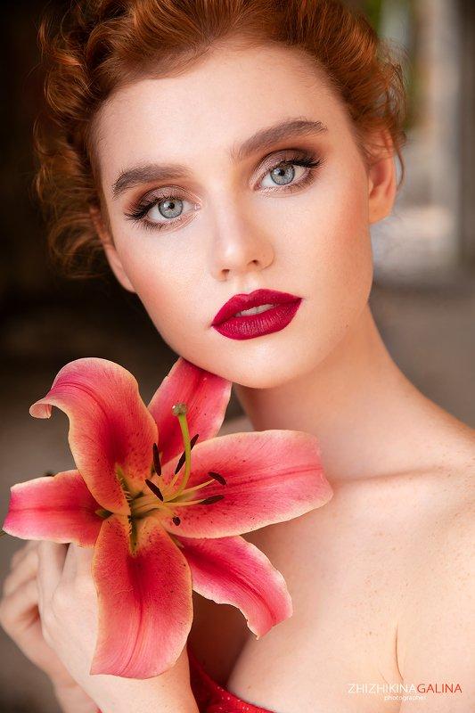 девушка, портрет, цветок, лилия, рыжая, лицо, фотограф, москва, portrait, face, girl Нежный цветокphoto preview