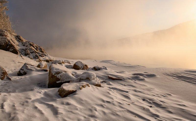 енисей, мороз,берег. Рассветные камни на Енисее.photo preview