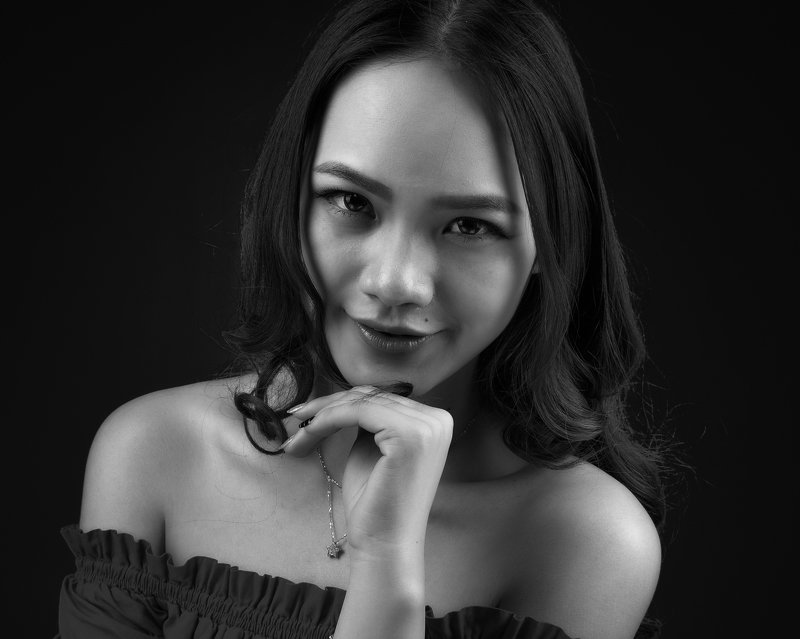 Oriental girlsphoto preview