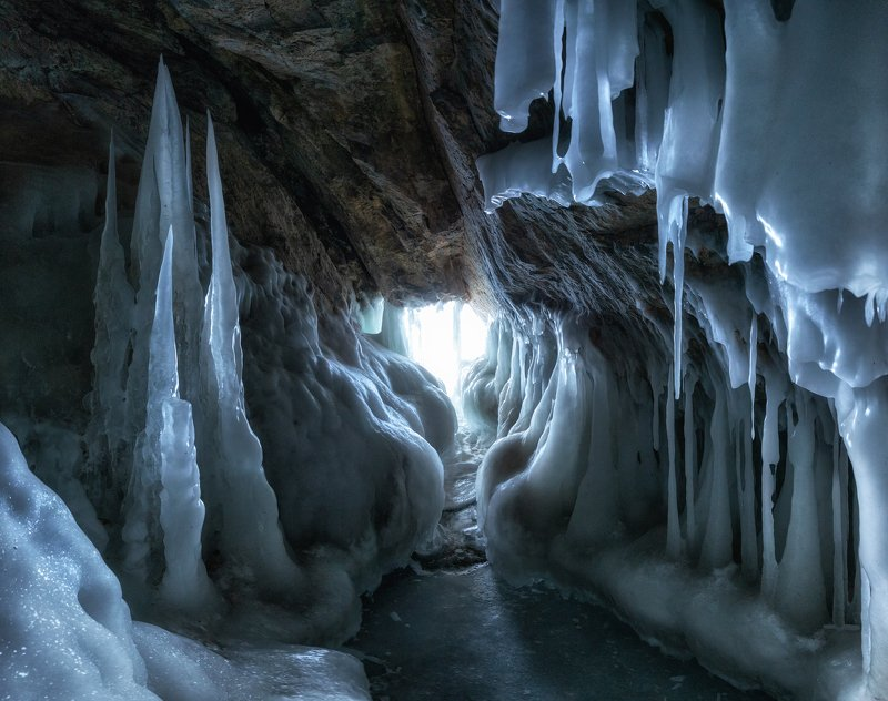 байкал, ольхон Ледяная пещера Байкала.photo preview