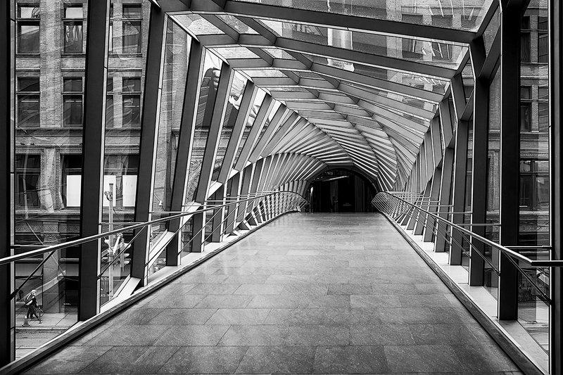Street cross passagephoto preview