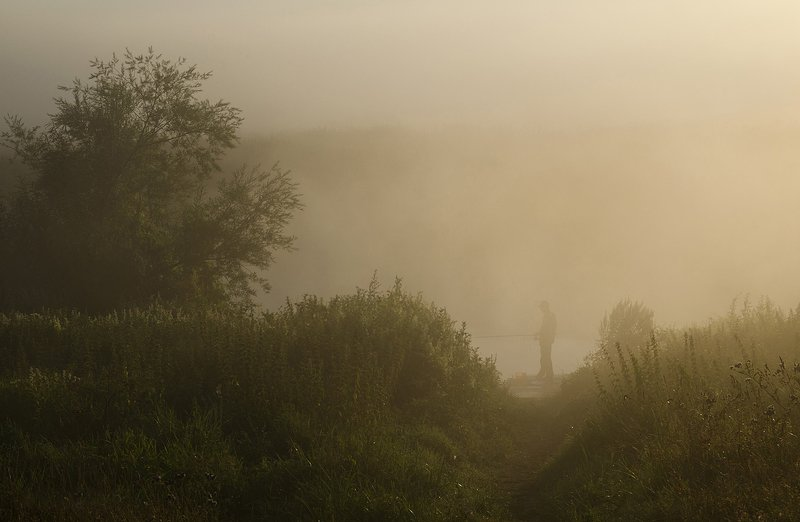 туман, рыбак, першино У рекиphoto preview