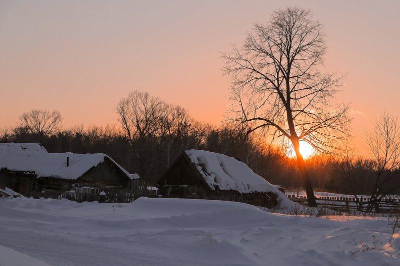 Зима  снег закат на закате photo preview