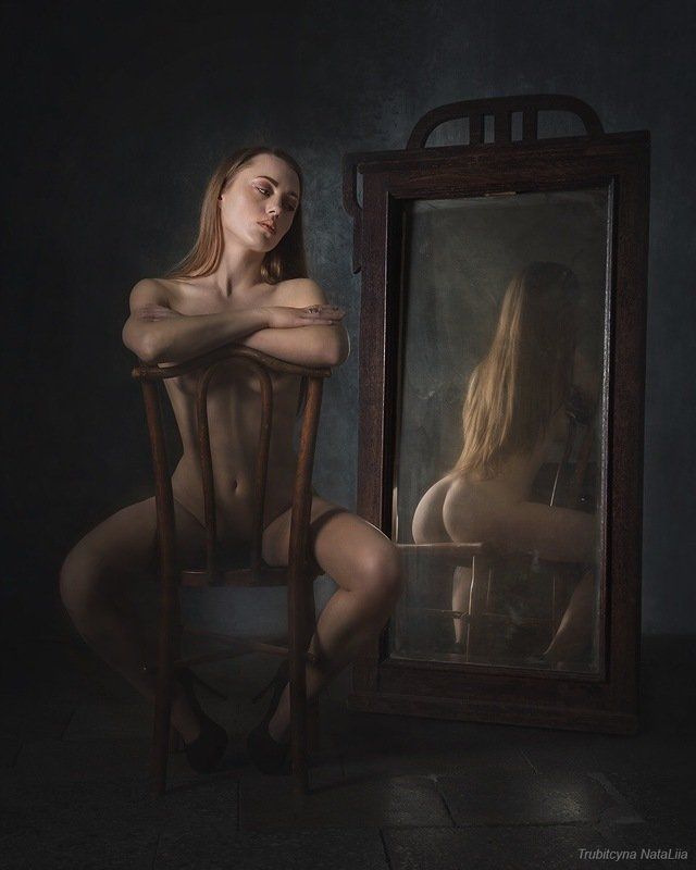 девушка, зеркало, красота Обратная сторона луныphoto preview