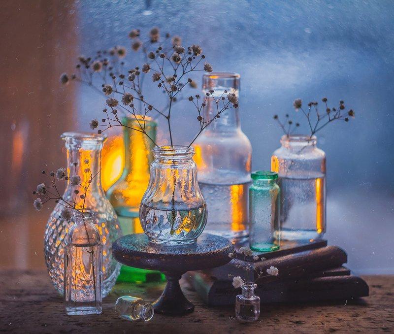 цветы, натюрморт, боке, прозрачный, брызги, вода, закат, солнце, бутылки, банки, стекло, красивый, зима, still life Стекольныйphoto preview