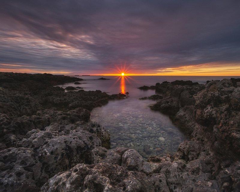 вечер, крым, севастополь, море, закат, пейзаж, путешествие, город, солнце Луч солнцаphoto preview