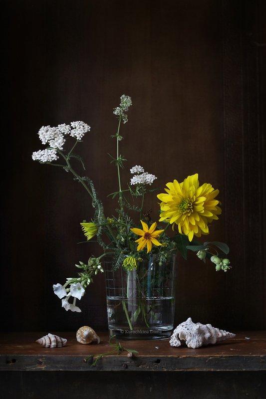 натюрморт, букет, цветы, желтые цветы Желтый букетикphoto preview