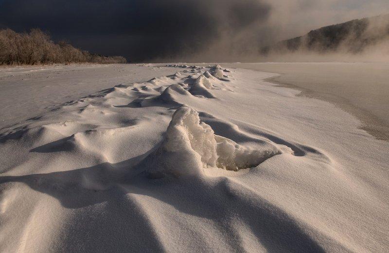 енисей, мороз,берег. Зубы дракона.photo preview