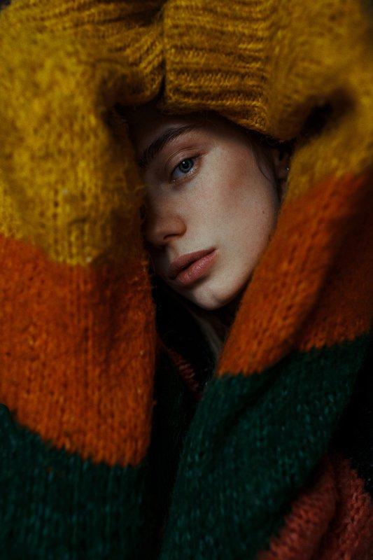 portrait, портрет, girl, brunette, portraiture, indoor, февраль, ламповый, retouch, ретушь, цвет, cinematic,цветок, свитер, акварель, тёплый, fineart, beauty,sweet, warm, half Yevgeniaphoto preview