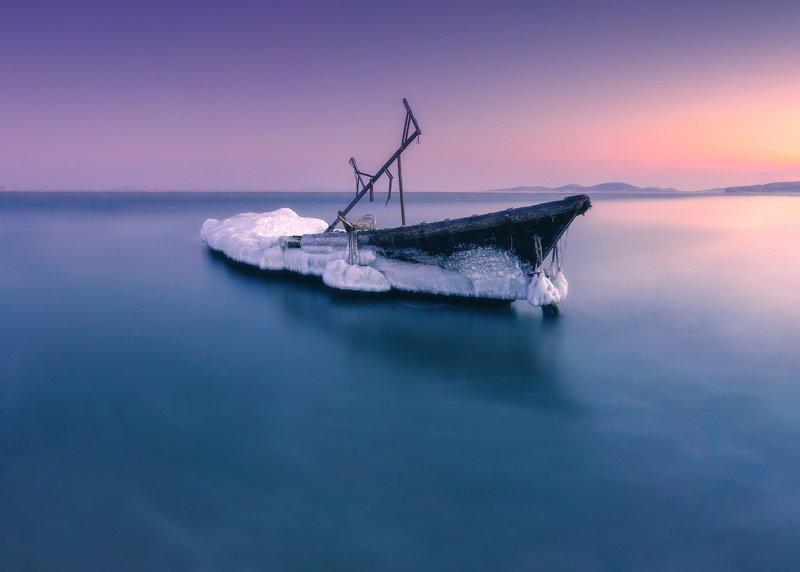 сумерки, море, лодка, зима ***photo preview