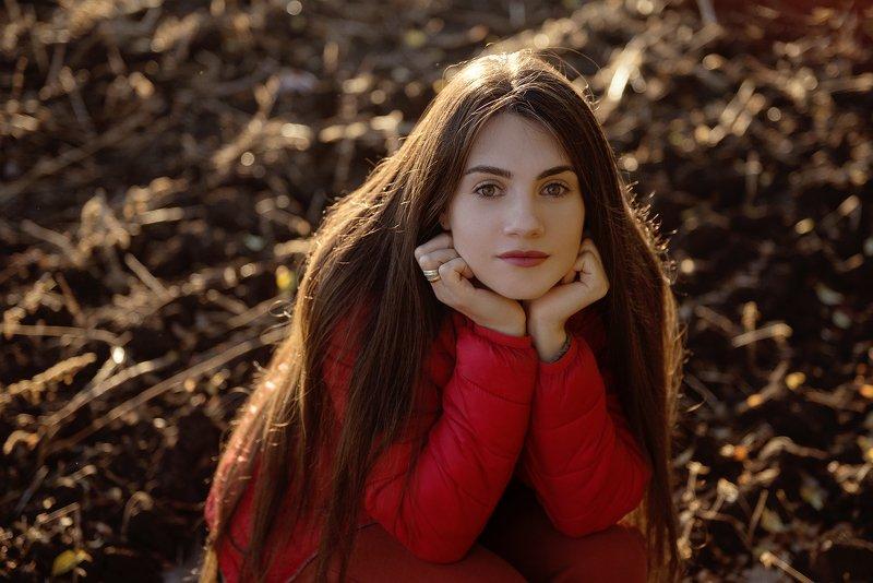девушка, поле, красный цвет, длинные волосы Angelinaphoto preview