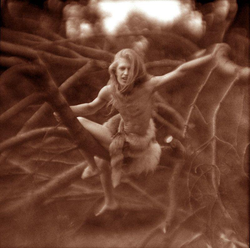 ветви, корни Тарзан в Сокольникахphoto preview