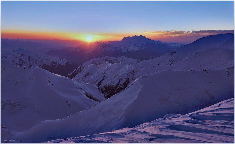 горы, памир, киргизстан, пик ленина, пик курумды, Здравствуй солнышкоphoto preview