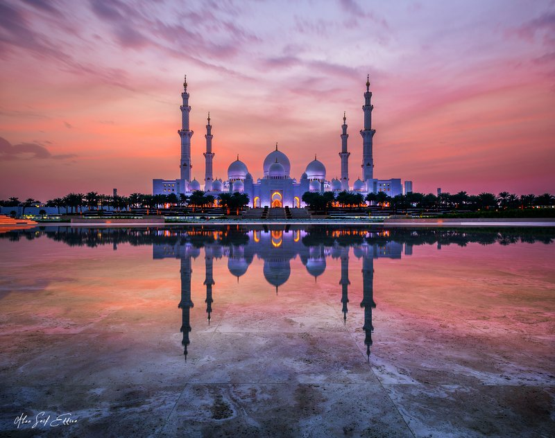 abudhabi uae architecture mosque islamic building Sheikh Zayed Mosque At blue hourphoto preview