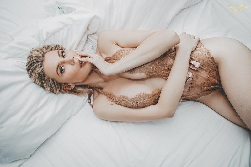 women,portrait,art,lingerie Sensualityphoto preview