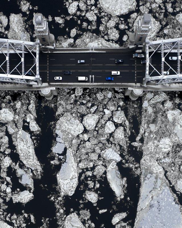 Дрон, зима, ледоход, петербург Большеохтинский мостphoto preview