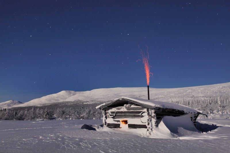 урал, зима, гух, ночь, звёзды, изба, лямпа Затерянная в снегах...photo preview