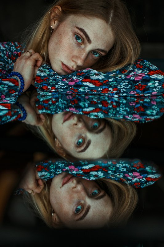 portrait, портрет, girl, portraiture, indoor, февраль, ламповый, retouch, ретушь, цвет, cinematic,цветок, свитер, акварель, fineart, beauty, blue, colourfull Yevgeniaphoto preview