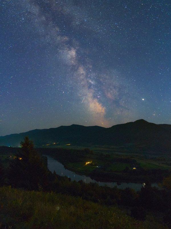 млечный путь, ночное небо, звезды, вечность, пейзаж, прикарпатье, река стрый, сколовские бескиды, горы, ночная сьемка, лето, путешествие, юпитер, астрофотография, night, sky, mountains, carpathians, river, stryi, skolivski beskydy, milky way, stars, night Life is Eternityphoto preview