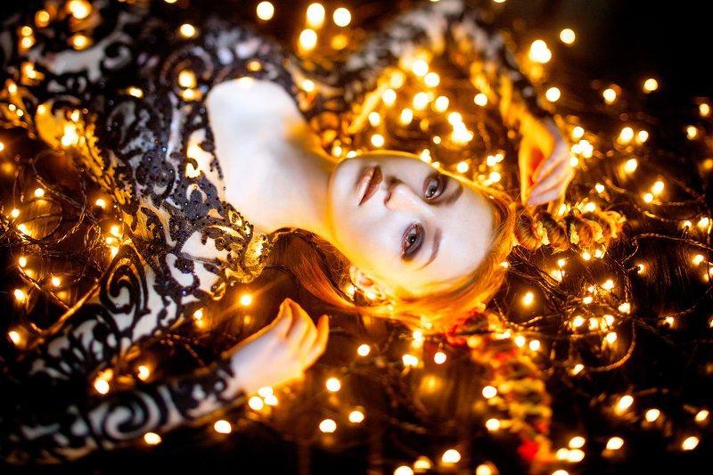 сказка, фантазия, цветок, девушка, молодая, юность, легкость, модель, прозрачный, взгляд, глаза, эльф, нереально, красивая, портрет, цвет, легкость, лето, ангел, огонь, огни, гирлянда, свет, светится,  Lizaphoto preview
