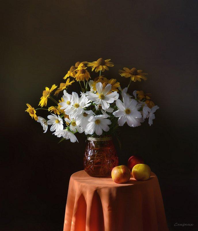 натюрморт,композиция,свет,лето,букет,нектарины Букет и нектариныphoto preview