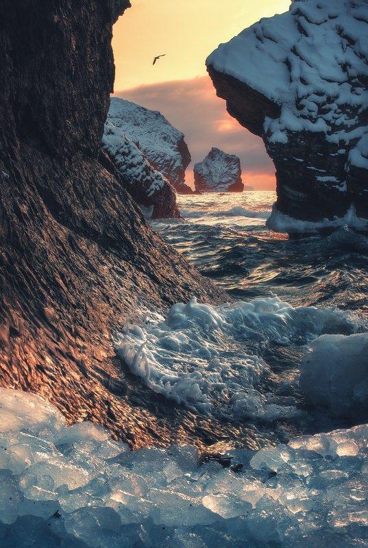 утро, море, скалы В последний зимний день...photo preview