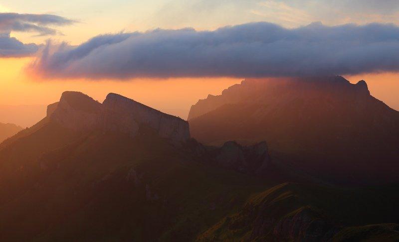 большой тхач  пейзаж Закат над Тхачами. Вид с Асбестнойphoto preview