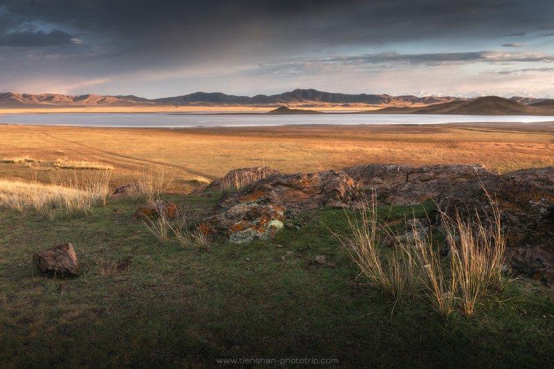 хан-тенгри, тузколь, казахстан, тянь-шань, фототуры по казахстану, озеро Тузкольphoto preview