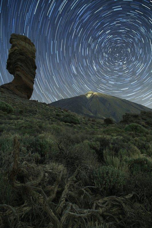 треки звездные; тенерифе; тейде; ночной пейзаж Time over Teidephoto preview