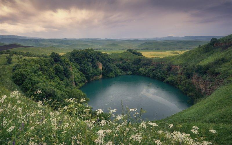 У бездонного озера.photo preview